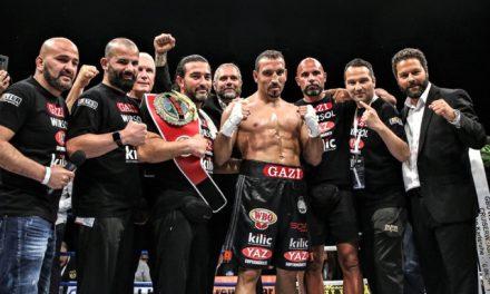 Boksör Fırat Arslan Dördüncü Kez Dünya Şampiyonu Oldu.