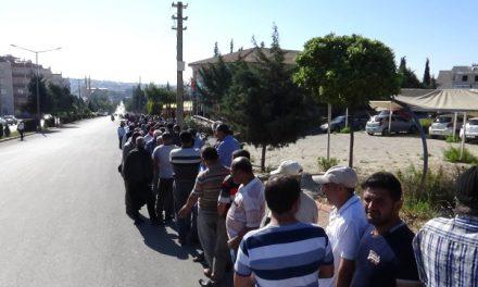 Kilis'te Binlerce Kişi 6 Aylık İş İçin Geceden Sıraya Girdi