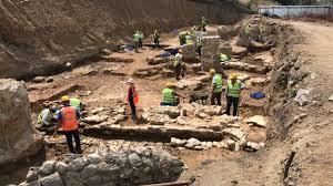 İstanbul'da yapılan arkeolojik kazılarda tarihi eser fışkırdı