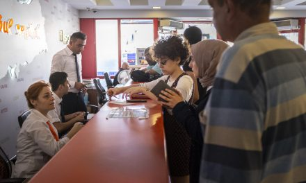 Otogarda bayram hareketliliği başladı: Biletler tükendi