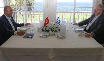 Türk ve Yunan Dışişleri bakanları İzmir'de bir araya geldi