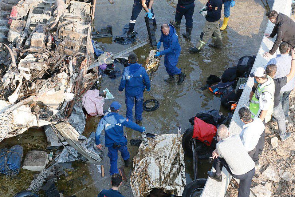 Kaçak göçmenleri taşıyan kamyon devrildi: 22 ölü (Sürücü gözaltında)