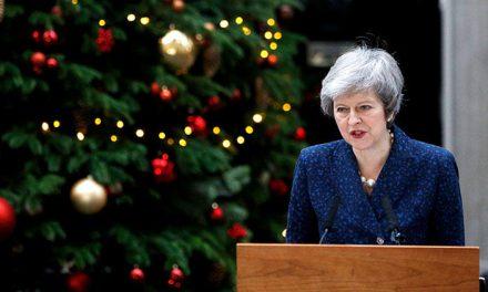 Başbakan Theresa May için güven oylaması