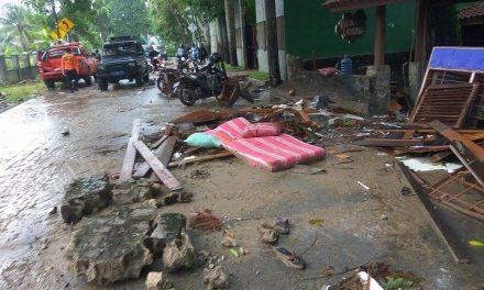 Endonezya'da tsunami: Ölü sayısı 281'e yükseldi