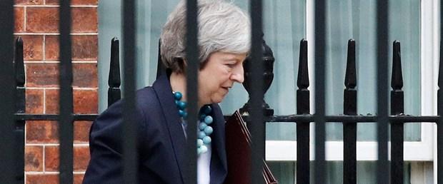 May: Brexit oylaması ertelendi  May: Brexit oylaması ertelendi