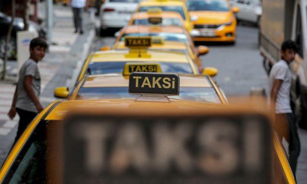 """Taksiler """"zam"""" kuyruğunda"""