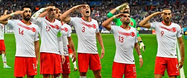 UEFA'dan asker selamına disiplin soruşturması