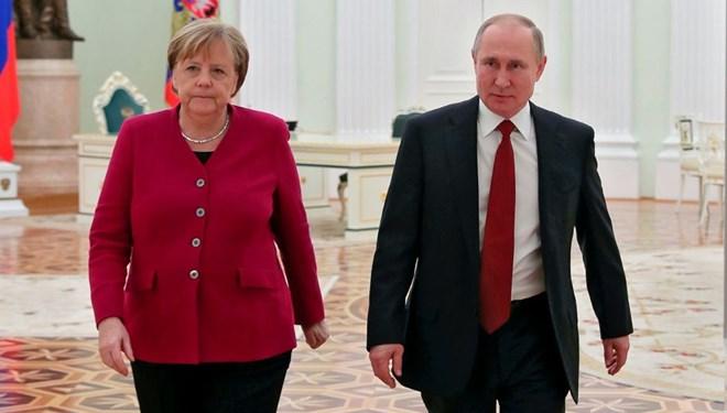Putin'den Libya'da ateşkes açıklaması