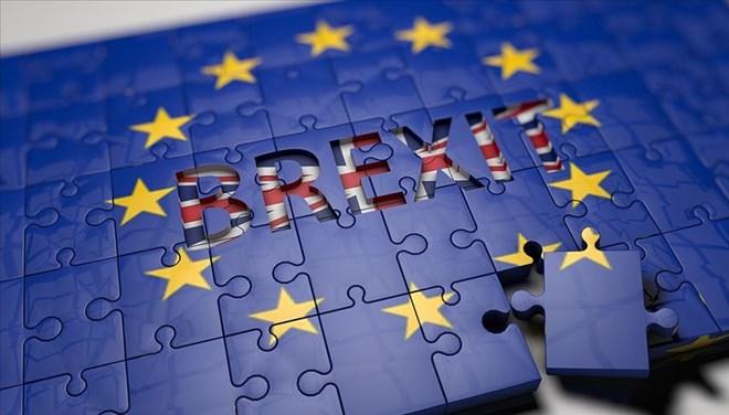 Brexit yasa tasarısı İngiltere parlamentosunda kabul edildi