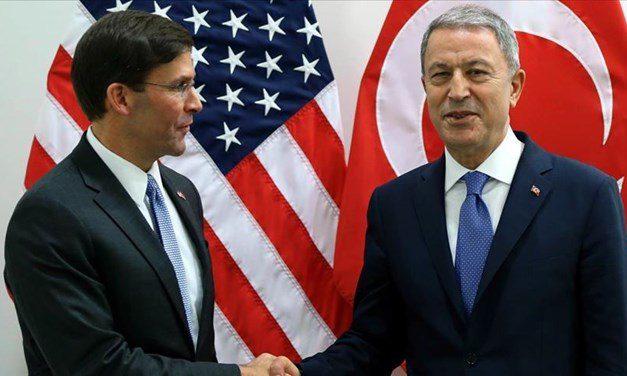 SON DAKİKA HABERİ: Savunma Bakanı Akar, ABD'li mevkidaşı Esper ile görüştü