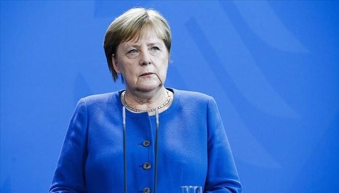 Almanya'da SPD Genel Sekreteri: Koalisyona Merkel'le girdik, onunla da çıkacağız