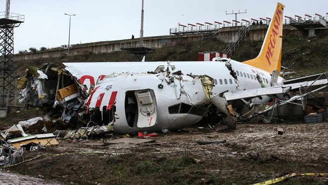 Sabiha Gökçen'de 3 kişinin öldüğü uçak kazasıyla ilgili kaptan pilot tutuklandı