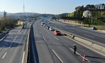 """48 saat sokak kısıtlaması başladı (""""Türkiye Güven Huzur"""" uygulaması yapıldı)"""