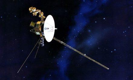 """Voyager 2, 18 milyar kilometre uzaktan """"Merhaba"""" dedi (Türkçe mesaj da taşıyor)"""