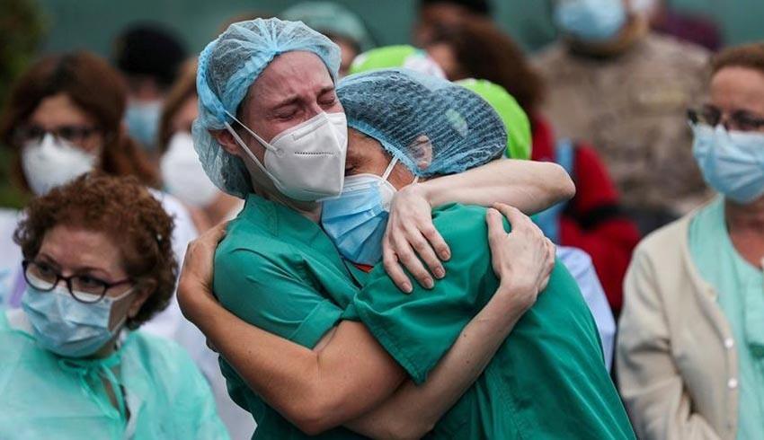 Bilim dünyası şokta! Pfizer'ın Covid-19 aşısı olan sağlık çalışanı 10 dakikada fenalaştı