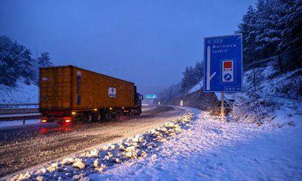 Yurtta kar yağışı (İzmir'in yüksek kesimlerinde kar yağışı etkili oluyor)