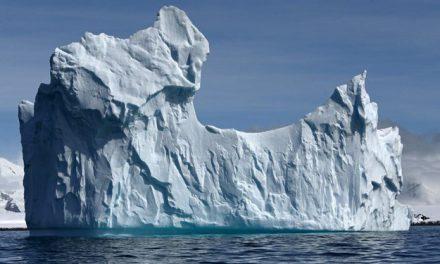 Küresel ısınmanın etkisi: Dünyanın en büyük buz dağı eriyor