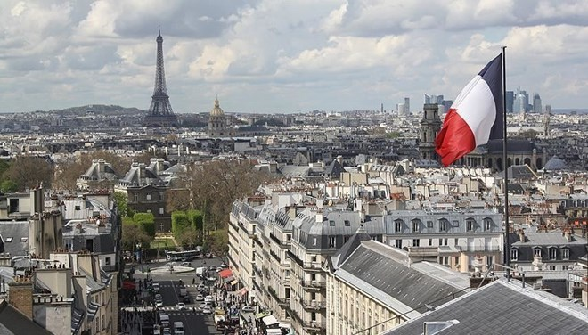 Fransa'da 16 bölgede tüm gün sokağa çıkma yasağı