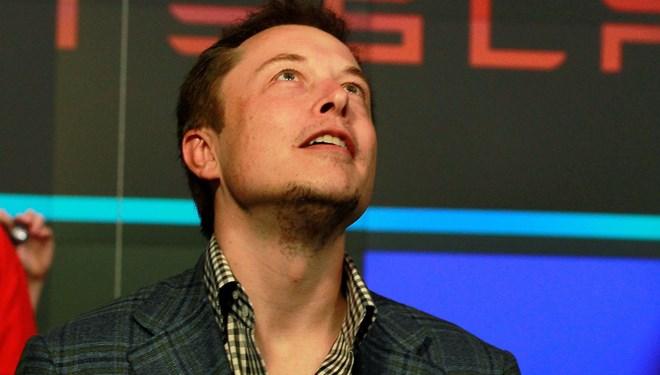 Elon Musk'ın kısıtlamalara aykırı olarak açtığı Tesla fabrikasında Covid-19 salgını