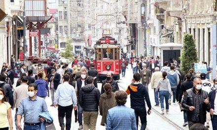 Bilim Kurulu üyesinden İstanbul uyarısı: Üçüncü dalgaya girdik