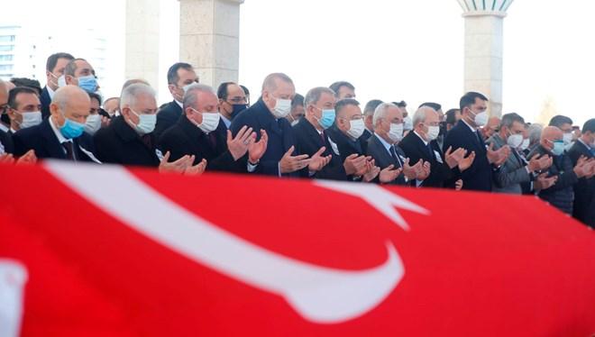 Bitlis'te helikopter düşmesi sonucu şehit olan 11 asker için devlet töreni