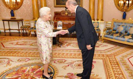 Cumhurbaşkanı Erdoğan Kraliçe 2. Elizabeth ile görüştü!