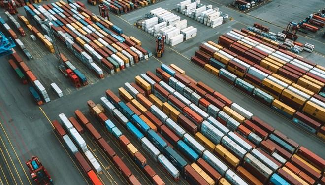 Dış ticaret açığı şubat ayında 3,3 milyar dolar oldu